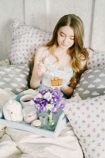 breakfast in bed boudoir shoot