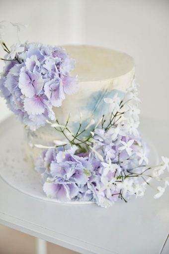 romantci wedding cake
