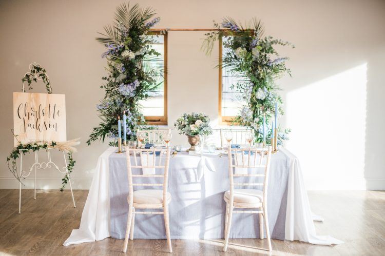 blue dining tablescape