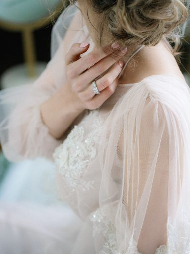 puff-sleeved wedding dress